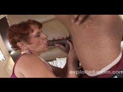 Old mom doing black cock